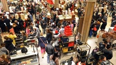 La loi Hamon entend renforcer les droits des consommateurs et leur redonner du pouvoir d'achat.