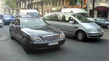 Vendre son véhicule diesel ou le garder, une question que pose la baisse des prix en occasion observée en avril.