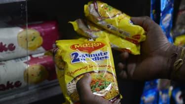 Nestlé, maison-mère de Maggi, promet de réduire de 10% la teneur en  sel des produits de la marque.