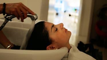 Le numéro un mondial des cosmétiques met sur le marché un produit de coloration capillaire aux ingrédients non chimiques, destiné aux coiffeurs.