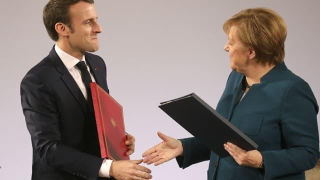Emmanuel Macron et Angela Merkel ont signé mardi 22 janvier à AIx-la-Chapelle un Traité franco-allemand de convergence.