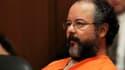 Ariel Castro, l'homme accusé d'avoir enlevé et séquestré pendant une dizaine d'années trois jeunes femmes dans sa maison d'un quartier populaire de Cleveland, a été condamné jeudi à la prison à vie. Agé de 53 ans, Ariel Castro a été inculpé notamment pour