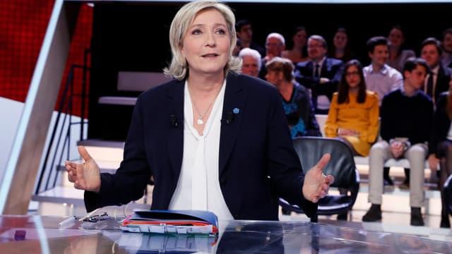 Marine Le Pen était l'invitée de L'émission politique ce jeudi.