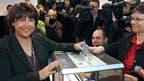 Le premier secrétaire du Parti socialiste, Martine Aubry, votant à Lille. La gauche a infligé une sévère défaite à la droite dimanche au second tour des élections régionales sans toutefois lui ravir son bastion historique, l'Alsace, selon des estimations