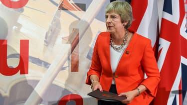 Theresa May exclut formellement tout nouveau référendum.