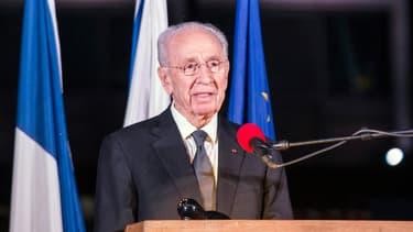 L'ex-président israélien et prix Nobel de la paix Shimon Peres a été de nouveau hospitalisé.