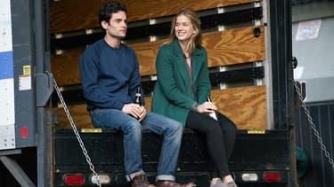 """Penn Badgley et Elizabeth Lail, les héros de la saison 1 de """"You"""""""