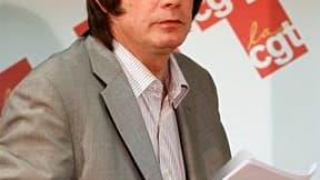 Bernard Thibault, secrétaire général de la CGT, aurait annoncé à la direction du syndicat qu'il en quitterait la tête à la fin de l'année. /Photo prise le 17 janvier 2011/REUTERS/Charles Platiau