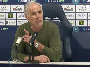 """Caen - Paris FC : Girard raconte """"un pugilat"""" dans son vestiaire et pointe """"trois joueurs de Caen"""""""