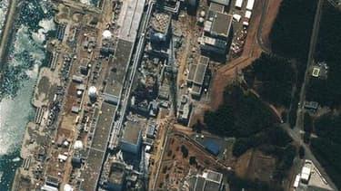 Vue satellite de la centrale de Fukushima Daiichi. L'opérateur avait prévenu, deux semaines avant le séisme et le tsunami qui ont endommagé les réacteurs, qu'il n'avait pas procédé à certains contrôles prévus sur ce site dans le nord du Japon. /Image diff