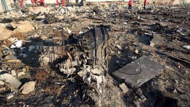 Débris de l'avion à Téhéran.