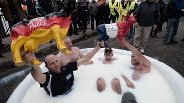 Une centaine d'éleveurs français et allemands se sont baignés ce vendredi