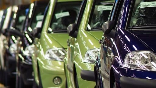 PSA et Renault ont réalisé les meilleures performances de tous les constructeurs sur le marché automobile en mars.