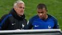 Didier Deschamps au côté de Kylian Mbappé