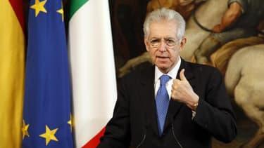 Le chef du gouvernement italien veut réduire les dépenses locales.