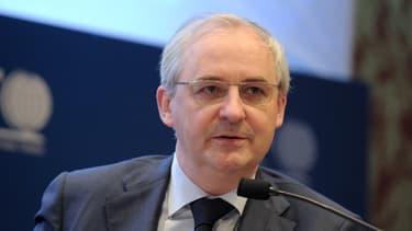 L'actuel président du directoire du groupe BPCE, François Pérol, était secrétaire général adjoint de l'Elysée quand il a été nommé à ce poste.