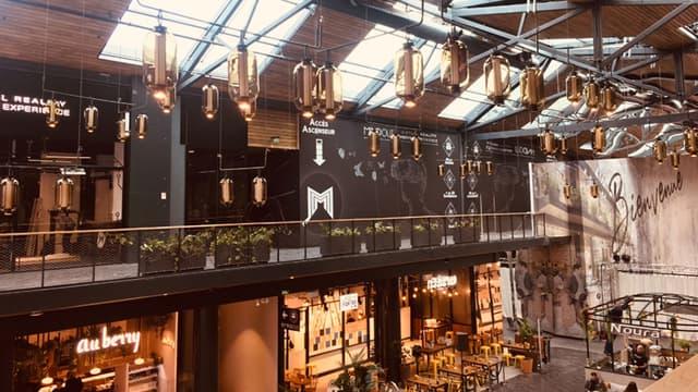 La nouvelle halle dédiée à la restauration du centre commercial Vélizy 2 dans les Yvelines.