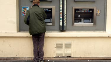 Les banques lorgnent les étudiants en envoyant des conseillers directement dans les bureaux des élèves des facs négocier que leur offre de crédit figure en tête de gondole.