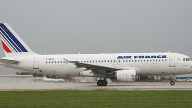 Air France doit se concentrer sur les destinations affaires, tandis que les destinations loisirs iraient à Transavia et Hop.