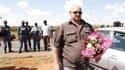Partisan du Mouvement de résistance afrikaner près de la ferme d'Eugène Terreblanche, dans le nord-ouest de l'Afrique du Sud. Le président sud-africain Jacob Zuma a lancé dimanche un appel au calme après l'assassinat la veille du leader d'extrême droite.