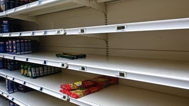 Les rayons de pâtes se vident dans les supermarchés