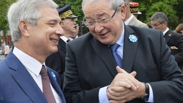 Claude Bartolone (à gauche) et Jean-Paul Huchon, le 8 mai 2015, à Paris.