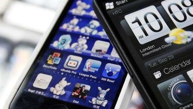 Apple et HTC mettent fin à la guerre des brevets