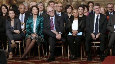 Des membres du gouvernement.