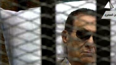En première instance, le président égyptien avait été condamné à la réclusion à perpétuité.