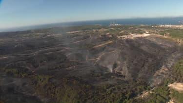 Incendie à Martigues: les images aériennes des centaines d'hectares partis en fumée