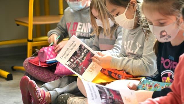 Dans une école élémentaire à Vierzon, dans le Cher, le 16 mars 2021