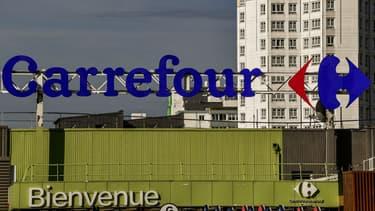 """Carrefour a présenté ses excuses après une pub pour un poupon """"gille, garçon ou ethnique""""."""