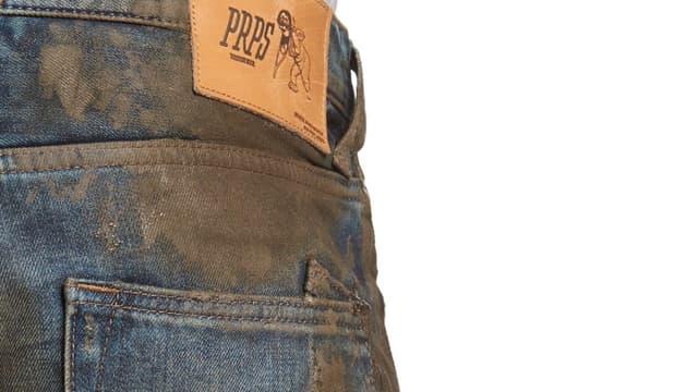 La controverse sur le jean boueux de Nordstrom a pris un tournant très politique aux États-Unis.