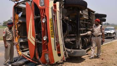 Accident de car en Inde (illustration)