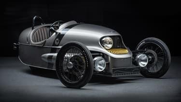 Un look rétro pour ce Tricar bi-place issu du 3-Wheeler original, mais électrique.