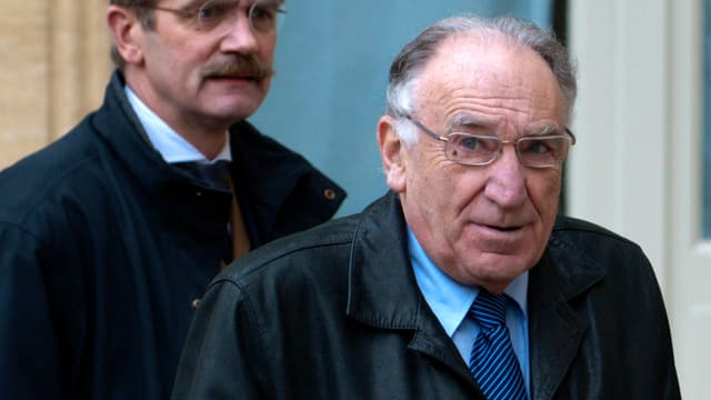 Jean-Pierre Escalettes (d) a quitté les bureaux de la FFF après avoir été entendu comme témoin dans la cadre du fiasco des Bleus