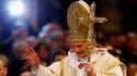 Dans son message du Nouvel An, Benoît XVI a souhaité mardi que 2013 soit une année de paix malgré le capitalisme débridé, le terrorisme et la criminalité. /Photo prise le 1er janvier 2013/REUTERS/Giampiero Sposito