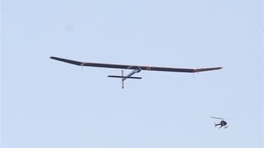 L'avion solaire expérimental Solar Impulse a décollé vendredi de San Francisco pour la première étape d'une tentative de traversée des Etats-Unis sans consommer la moindre goutte de carburant. Le vol de l'appareil, conçu et piloté par Bertrand Piccard et