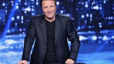 """Arthur dans """"Vendredi tout est permis"""" sur TF1."""