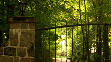 Les belles demeures isolées peuvent être la cible de malfaiteurs (photo d'illustration)