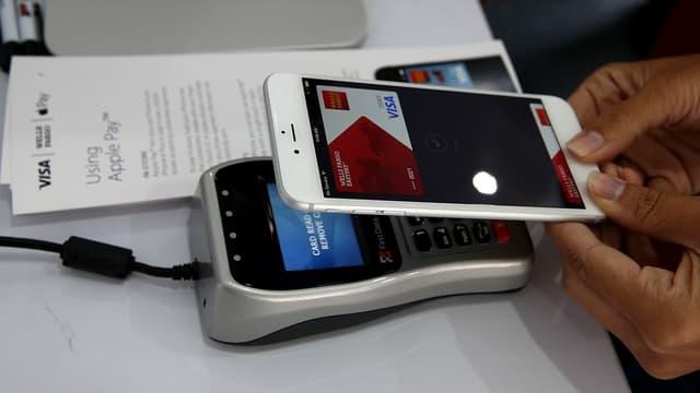 Pour la très large majorité des personnes interrogées, paiement sans contact et paiement via un smartphone exposent davantage au risque de fraude ou de piratage
