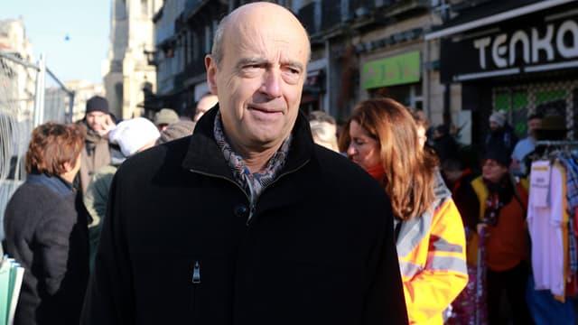 Le maire de Bordeaux Alain Juppé dans sa ville