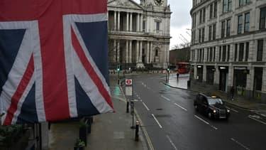Londres, le 12 janvier 2021. Depuis février 2020, le nombre d'emplois salariés a chuté de 828.000 à travers le Royaume-Uni