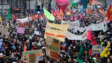 Le cortège de la manifestation contre la réforme des retraites à Paris, le 5 décembre 2019.
