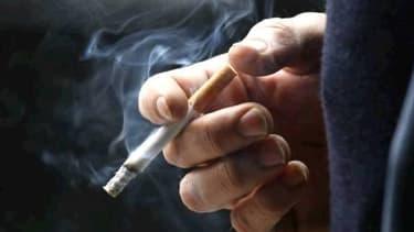 """La fumée de cigarette """"contamine"""" les Mac et constitue un risque biologique potentiel"""