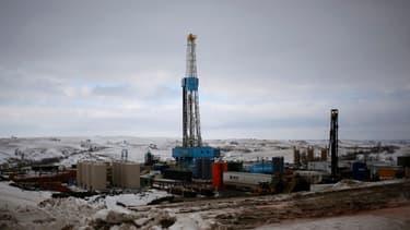 Dans le Dakota du Nord, l'exploitation du pétrole de schiste se multiplie et permet la ré-industrialisation de la région.