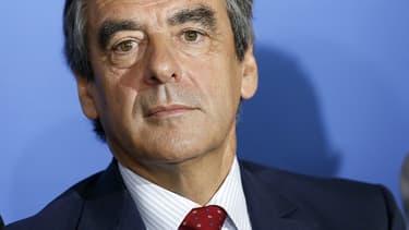 """L'ancien Premier ministre François Fillon qualifie François Hollande de """"très méchant"""" et de """"salopard""""."""