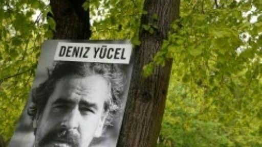 Manifestation le 3 mai 2017 devant l'ambassade de Turquie à Berlin pour la libération du journaliste Deniz Yücel