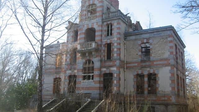 Le château de Chaumont est à vendre.