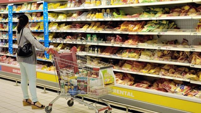 Les Français sont 21% à restreindre leur consommation d'aliments.